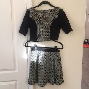 patterned two piece set